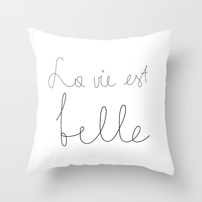 la-vie-est-belle-pillow